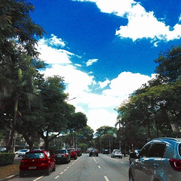 Photo taken at Avenida Brasil by Marcelo P. on 12/21/2014