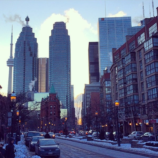 Where's Good? Holiday and vacation recommendations for Toronto, Canada. What's good to see, when's good to go and how's best to get there.