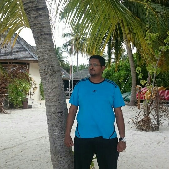 Photo taken at Vilamendhoo Island Resort & Spa by Adel A. on 7/20/2015