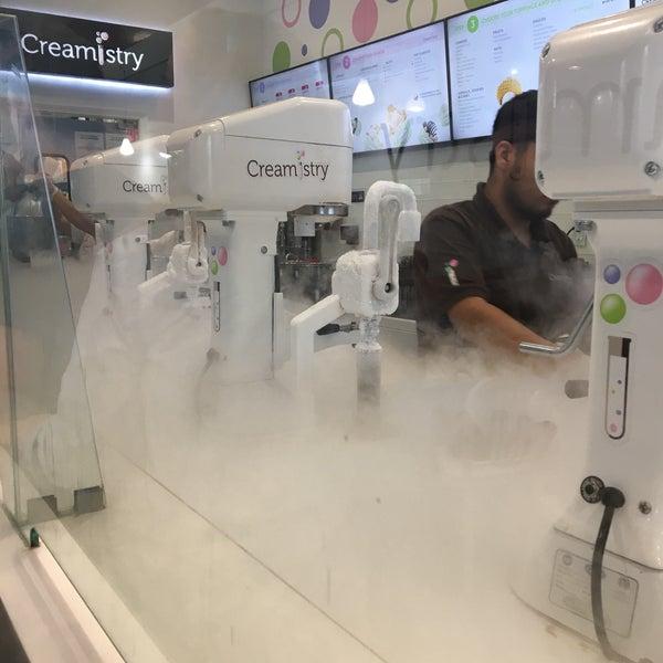 Foto tirada no(a) Creamistry por Jennifer S. em 7/22/2017
