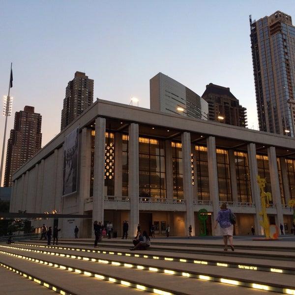 10/8/2013にDenys T.がLincoln Center for the Performing Artsで撮った写真