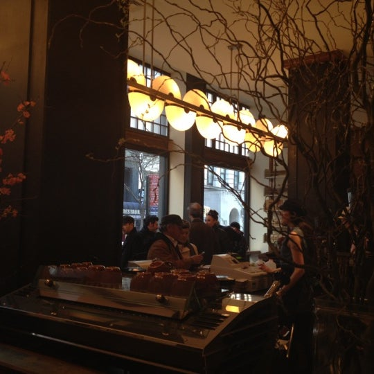 Photo taken at Stumptown Coffee Roasters by Sameer H. on 2/26/2012