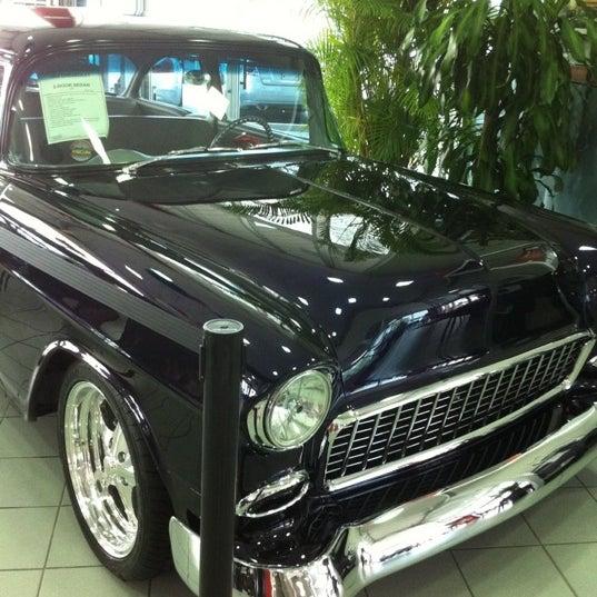Photo taken at Universal Hyundai by Brian S. on 4/20/2012