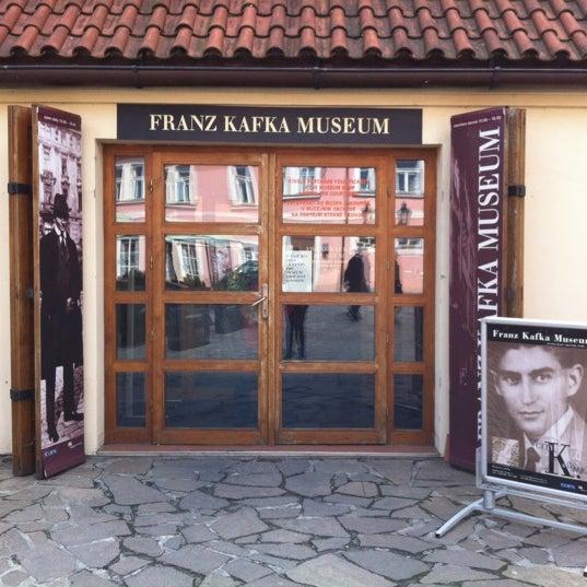 4/25/2012 tarihinde Lyubov S.ziyaretçi tarafından Franz Kafka Museum'de çekilen fotoğraf