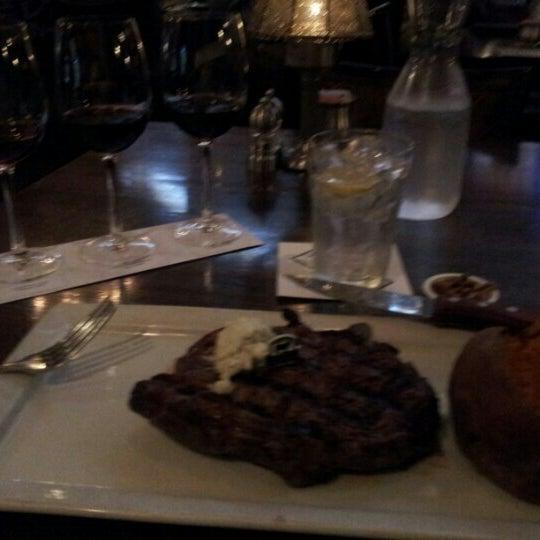 Foto tomada en Taste of Texas por Bob S. el 9/13/2012