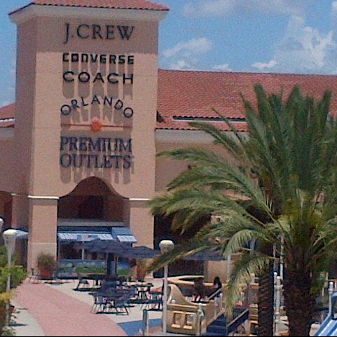 Photo taken at Orlando Vineland Premium Outlets by Denise R. on 7/14/2012