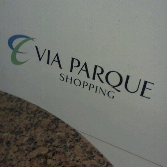 Foto tirada no(a) Via Parque Shopping por Nathalie R. em 9/3/2012