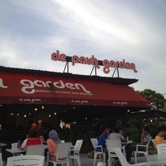 Photo taken at De Pauh Garden Restaurant & Cafe by Nurul Izzara Abdullah on 7/22/2012