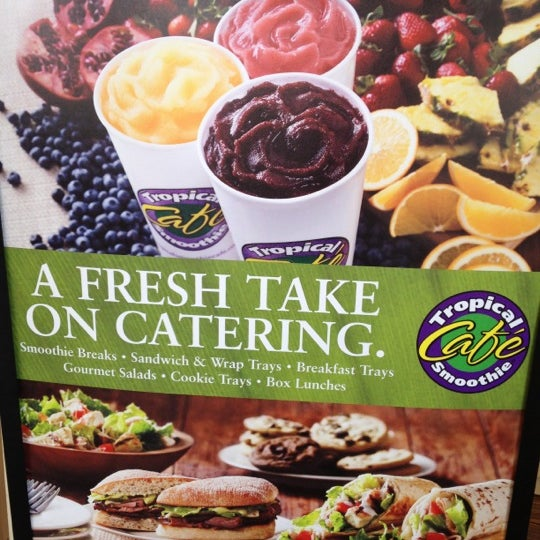 Photo taken at Tropical Smoothie Cafe by Bernice Y. on 4/14/2012
