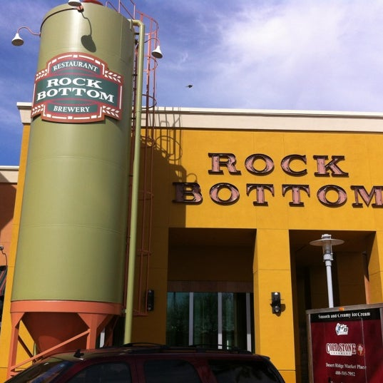 Photo taken at Rock Bottom Restaurant & Brewery by Keith H. on 4/8/2012