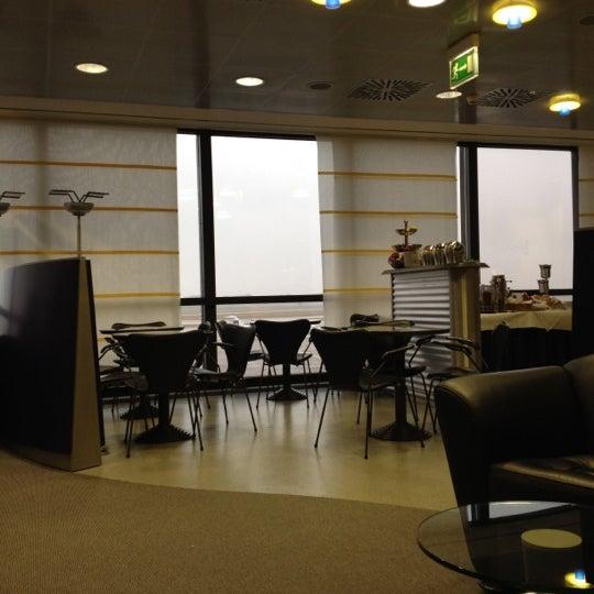 Foto tirada no(a) Lufthansa Senator Lounge por John Chang Young K. em 2/24/2012