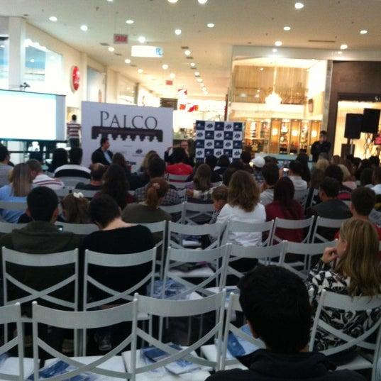 Foto tirada no(a) Shopping Neumarkt por Thiago d. em 6/13/2012