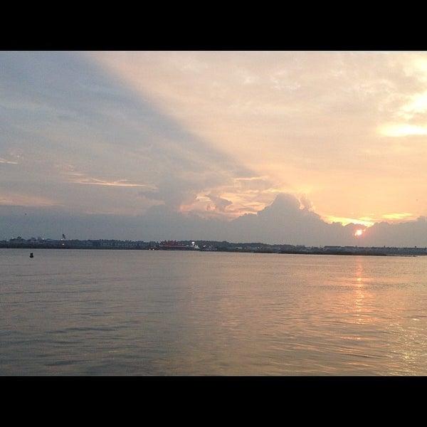 3rd st fishing pier ocean city md for Ocean city md fishing pier