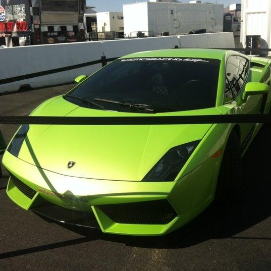 Foto tirada no(a) Exotics Racing por Erin L. em 5/19/2012