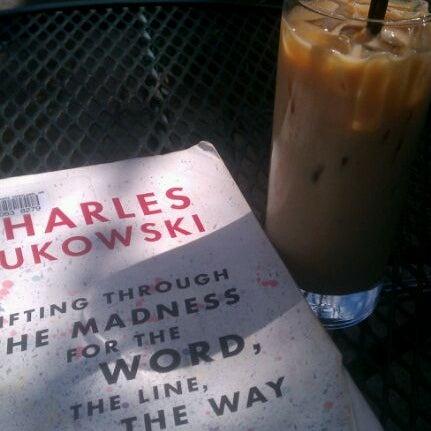 4/23/2012 tarihinde Andrea H.ziyaretçi tarafından Random Order Pie Bar'de çekilen fotoğraf