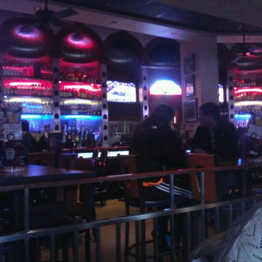 Photo taken at TGI Fridays Front Row Sports Grill by Tiffany C. on 3/3/2012