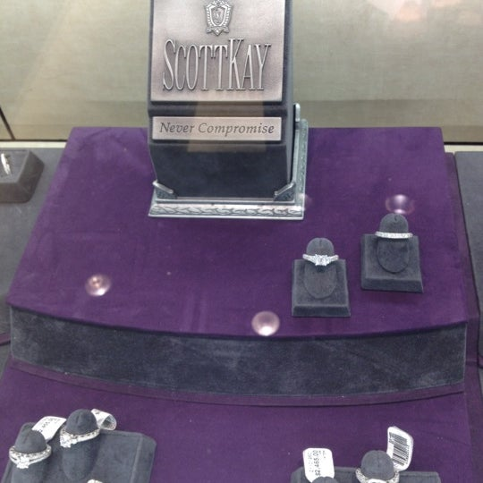 Jared The Galleria of Jewelry 5 tips from 192 visitors