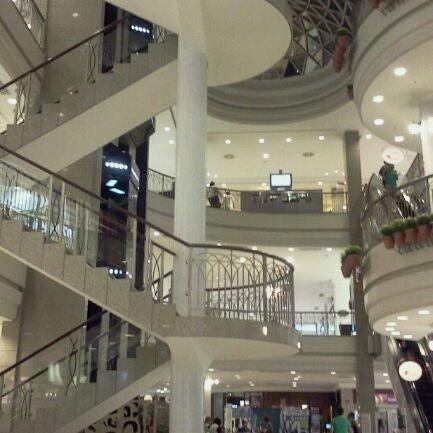 Foto tirada no(a) Shopping Del Paseo por Venicio N. em 6/4/2012