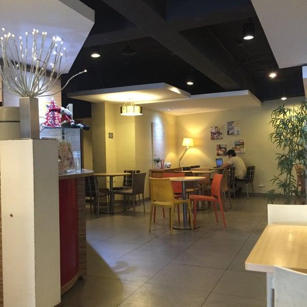 3/6/2016 tarihinde LYNN M.ziyaretçi tarafından TeaTap Cafe'de çekilen fotoğraf