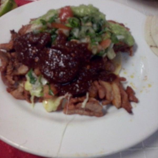 Foto tomada en Restaurante El Matador por Vhaldemar G. el 12/12/2013