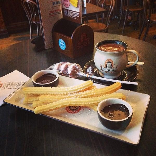 Foto diambil di Chocolateria San Churro oleh Eileen Z. pada 2/24/2014