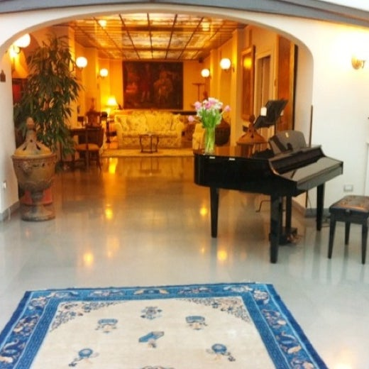 Photo taken at Villa Olmi Firenze by FernNi♡ on 10/21/2012