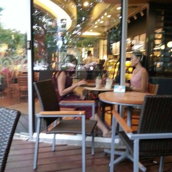Photo taken at Starbucks by maxbmw m. on 7/16/2013