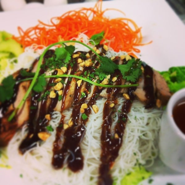 Photo taken at Yumm Thai : Sushi and Beyond by Paul V. on 3/29/2014