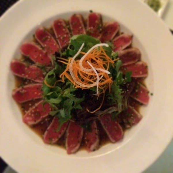 Photo taken at Yumm Thai : Sushi and Beyond by Paul V. on 5/24/2014