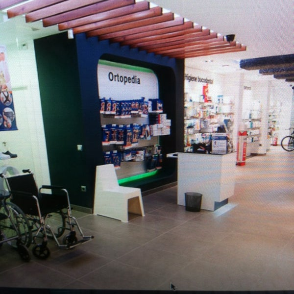 Foto tirada no(a) Farmacia Ortopedia El Mercat - Soler farmacéuticos - Villajoyosa por José R. em 4/2/2014