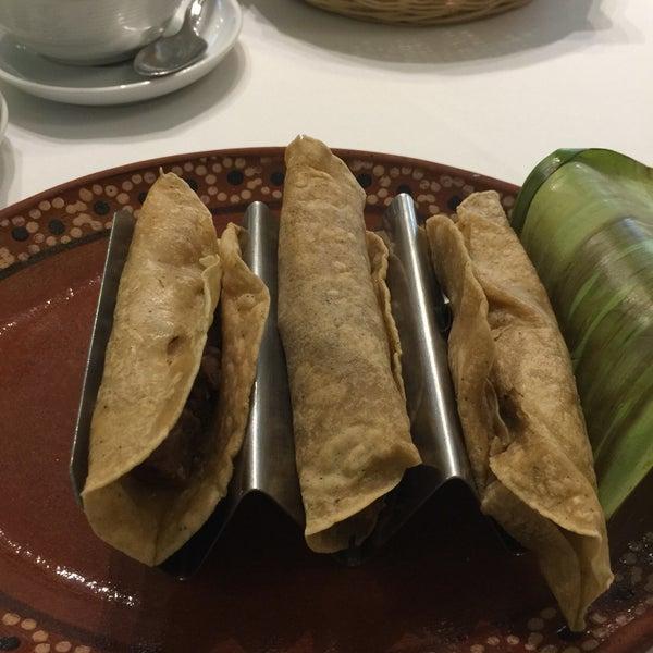 Foto tomada en Testal - Cocina Mexicana de Origen por Luis E. el 12/29/2017