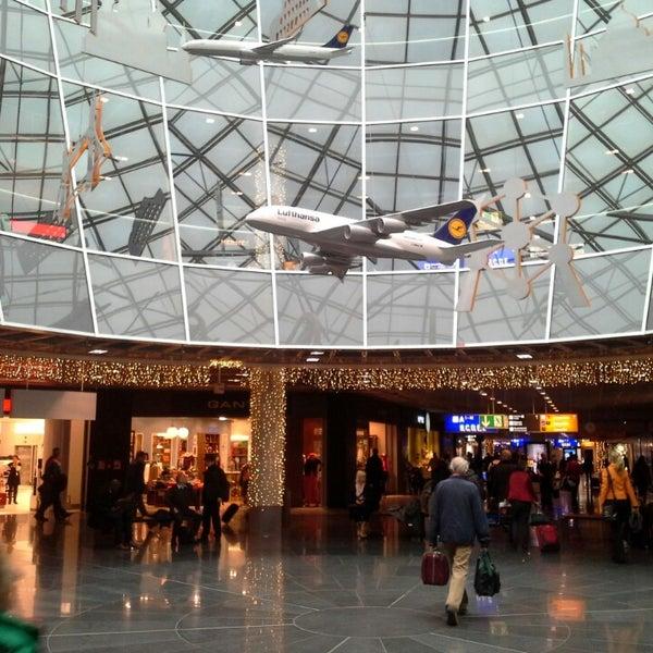 Das Foto wurde bei Frankfurt Airport (FRA) von S G. am 11/25/2013 aufgenommen