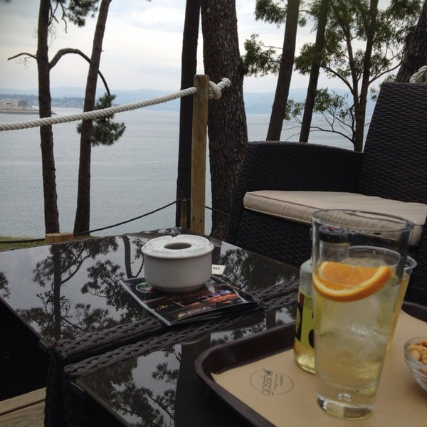Foto tomada en Gassho Sanxenxo Lounge Bar-Café por Alex M. el 6/24/2014