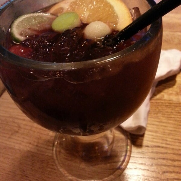 Photo taken at Applebee's by Alison on 3/29/2014