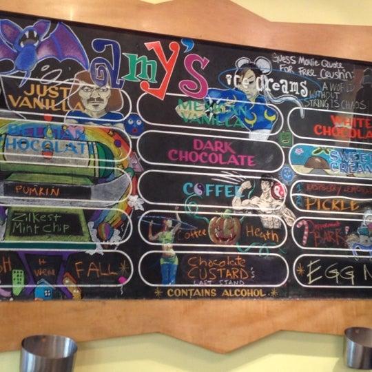 12/1/2012 tarihinde Molly B.ziyaretçi tarafından Amy's Ice Creams'de çekilen fotoğraf