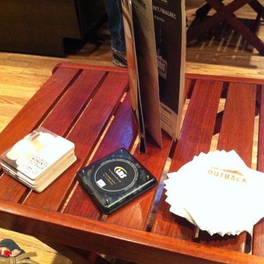 Foto tirada no(a) Outback Steakhouse por Camila Adriane em 11/4/2012