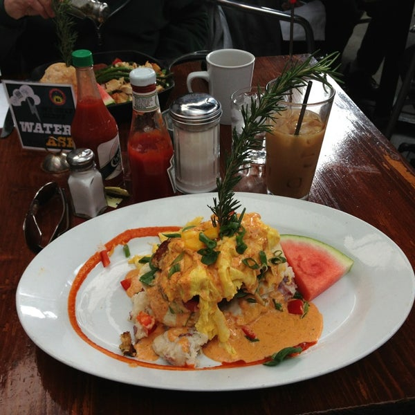Photo taken at Hash House a Go Go by M. G. S. on 2/10/2013