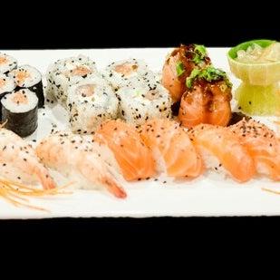 Foto tirada no(a) Sociedade do Sushi por Sohul A. em 7/3/2014