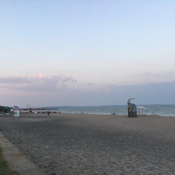 Foto scattata a Централен Плаж Бургас (Burgas Central Beach) da Ricardo K. il 9/7/2018