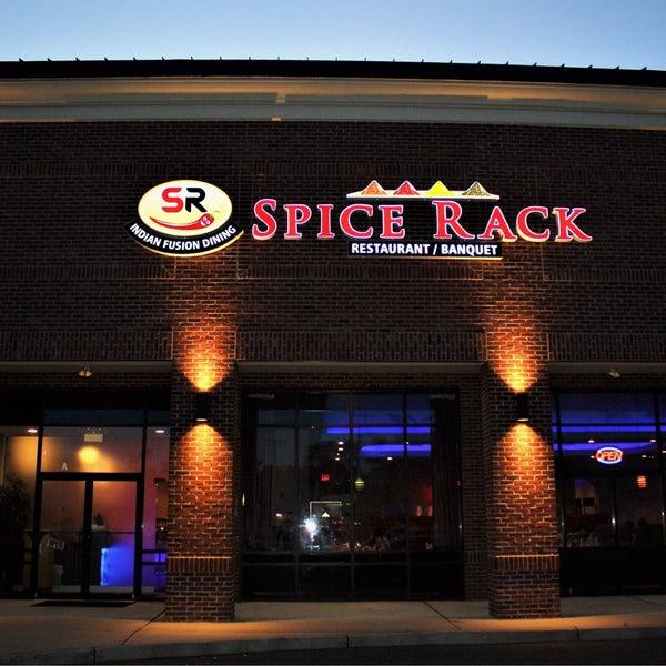 Foto tirada no(a) Spice Rack Indian Fusion Dining por nitin c. em 7/31/2017