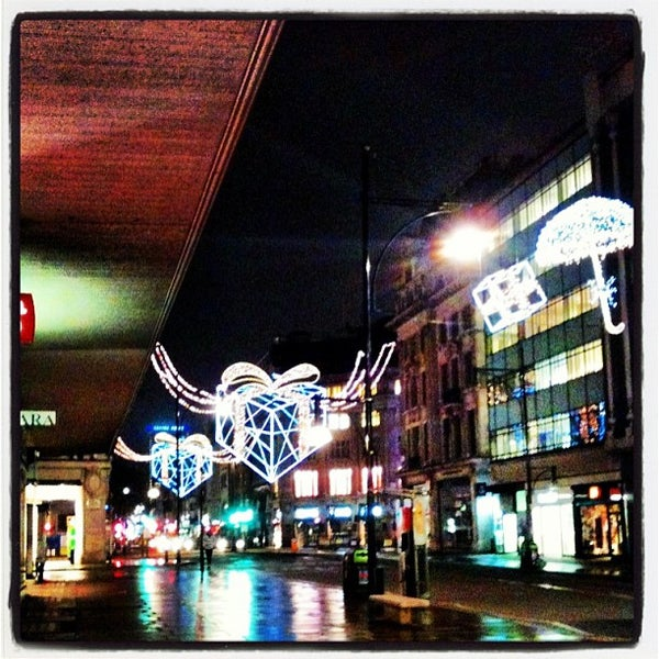 Photo taken at Oxford Street by Flavia D. on 6/5/2013