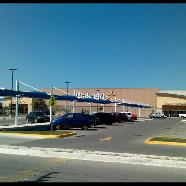 Photo taken at Walmart by Caro E. on 5/27/2016