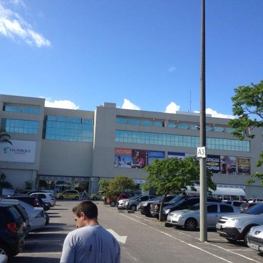 Foto tirada no(a) Via Parque Shopping por Raquel S. em 9/28/2012