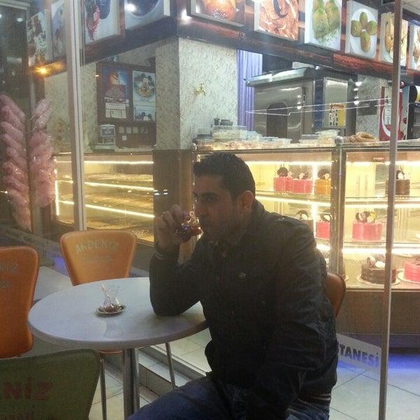 11/12/2013 tarihinde Adem A.ziyaretçi tarafından Akdeniz Pastanesi'de çekilen fotoğraf