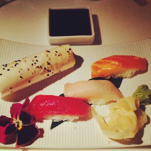 Photo taken at Katsuya Brentwood by Joseph O. on 7/5/2014