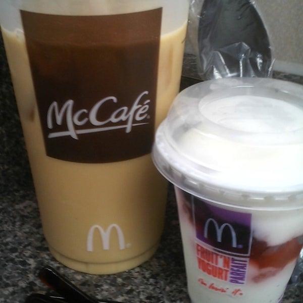 Photo taken at McDonald's by Nita L. on 10/24/2013