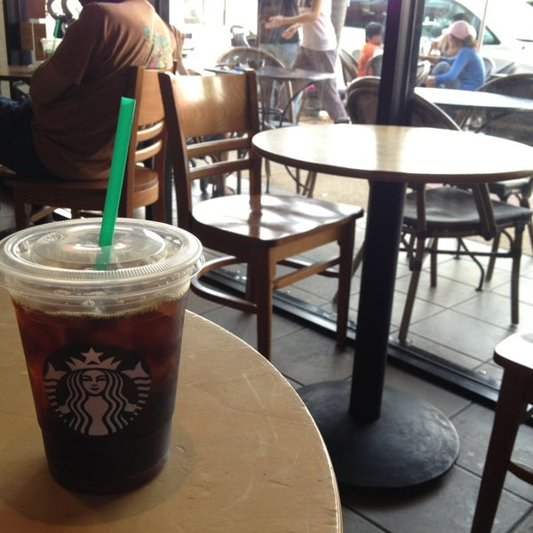 Photo taken at Starbucks by Jrgts on 1/1/2013