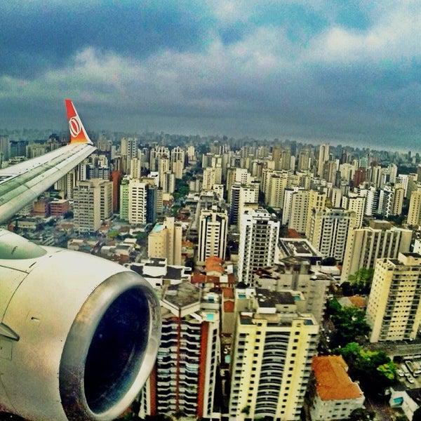 Снимок сделан в Международный аэропорт Конгоньяс/Сан-Паулу (CGH) пользователем Brian B. 10/15/2013