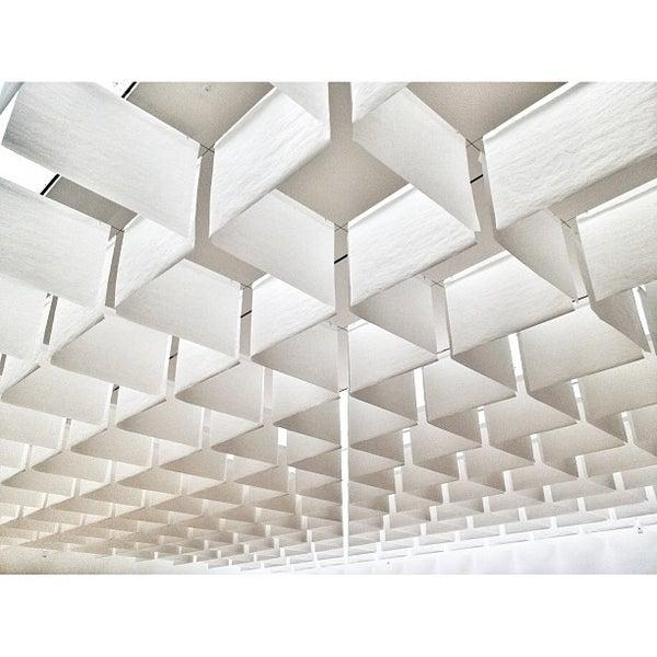 Foto tomada en MUAC (Museo Universitario de Arte Contemporáneo). por Miguel Angel R. el 1/7/2013