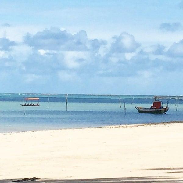 Foto tirada no(a) Praia de São Miguel dos Milagres por Fran A. em 5/23/2015
